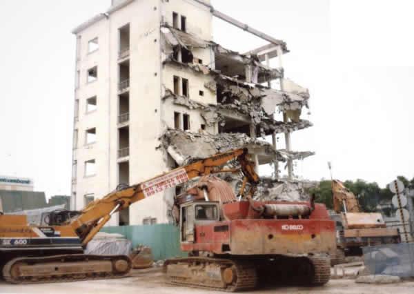 Phá dỡ công trình nhà cửa tại TP Vinh Nghệ An